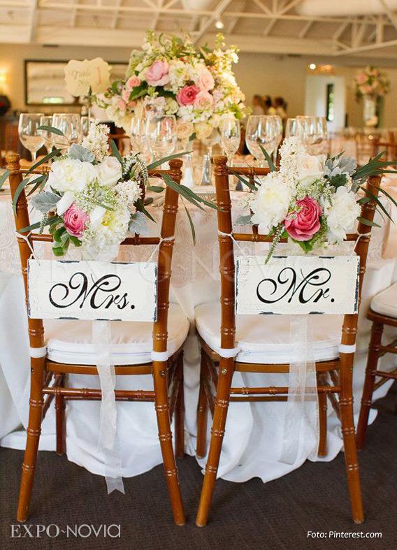 Decoraci n original para las sillas de los novios exponovia for Sillas para novios en la iglesia