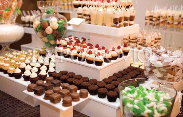 Mesa de dulces o mesa de postres exponovia for Canape definicion